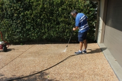 Restoring the driveway to former glory with pressure cleaning